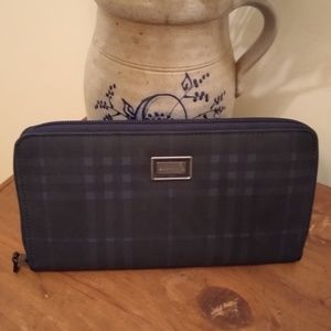 😍 Burberry Zippy Wallet Clutch Large NWOT